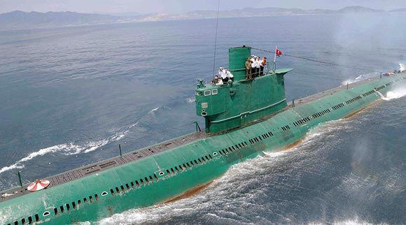 В КНДР потеряли у своих берегов подлодку