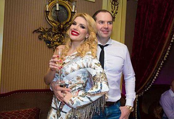 Сергей сделал Кате предложение на ее дне рождения
