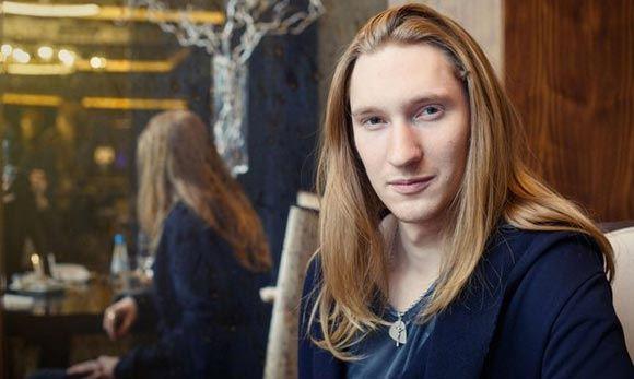 Певец Саша Иванов получил травму, стреляя из лука на съемках