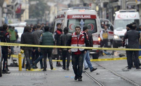Взрыв в Стамбуле: два человека убиты