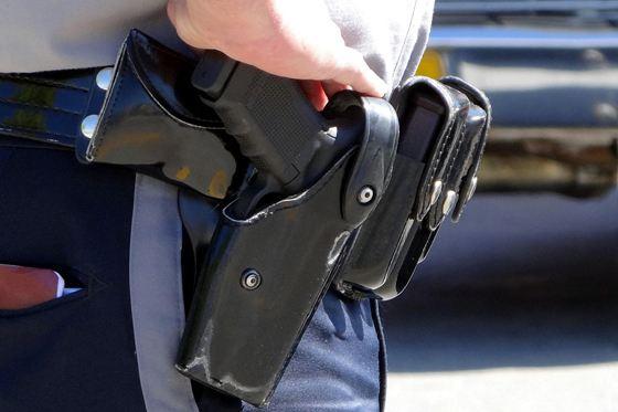 Полицейский был вынужден применить табельное оружие