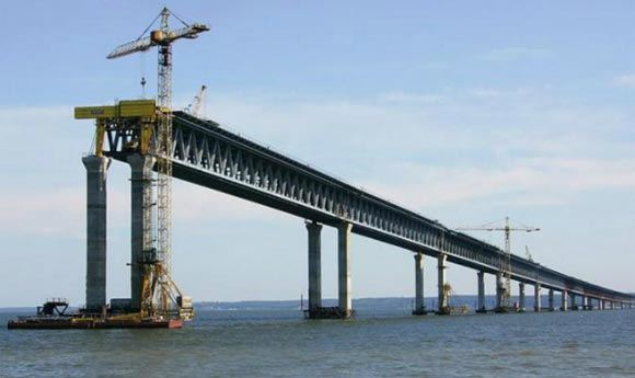 Турецкий сухогруз нанес Керченскому мосту ущерб в 120 млн рублей