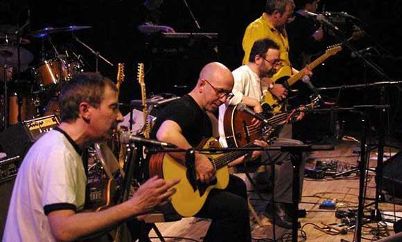 Музыкантов группы «Воскресение» закидали яйцами на концерте в Симферополе