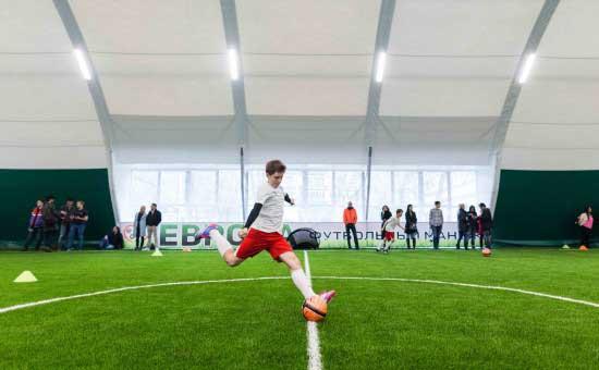 Тренер детского футбольного клуба обматерил игроков, которые не устроили драку на поле