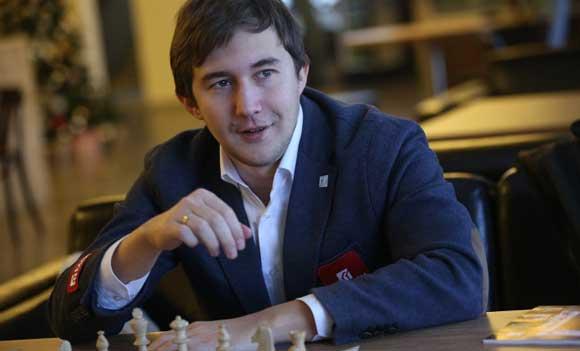 Россиянин Сергей Карякин выиграл турнир претендентов по шахматам