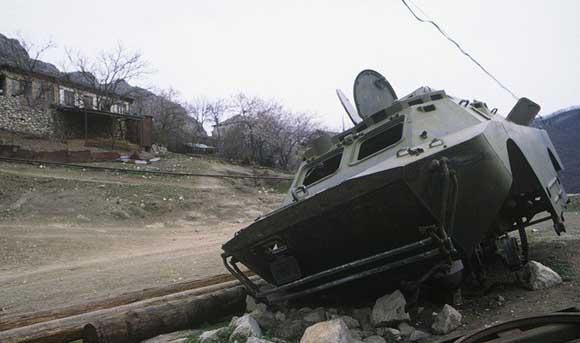 В зоне карабахского конфликта снова начались активные бои