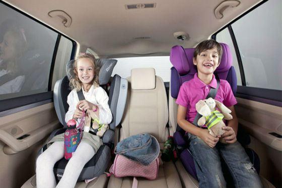 Планшет или телефон с играми развлечет детей в дороге