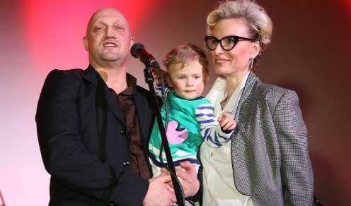 Gosha Kutsenko with his wife Irina and daughter Zhenya