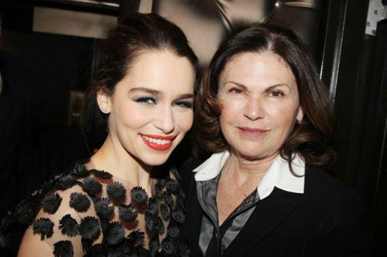 Эмилия Кларк с мамой