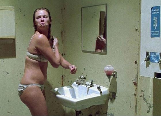 Для фильма «Монстр» Шарлиз Терон набрала 10 килограмм