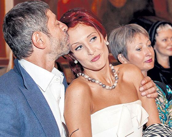Супруга артиста Николаева подала наразвод