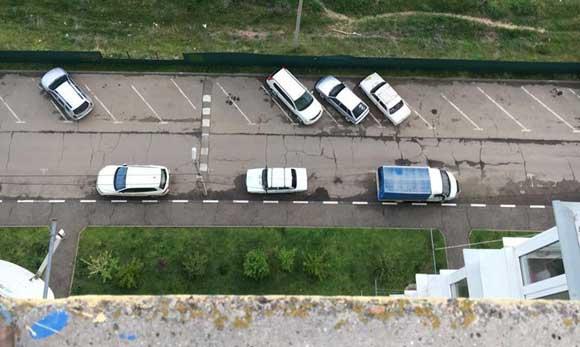 Подросток спрыгнул с крыши в Краснодаре, но выжил