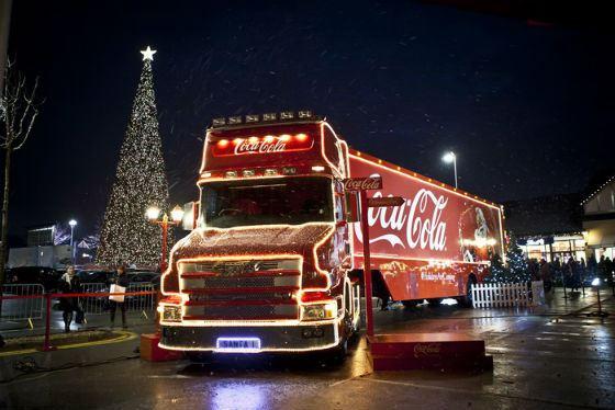 Грузовик Coca-Сola стал символом Нового года