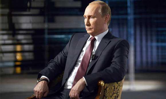 Путин пообещал представить свою новую избранницу публике, но потому