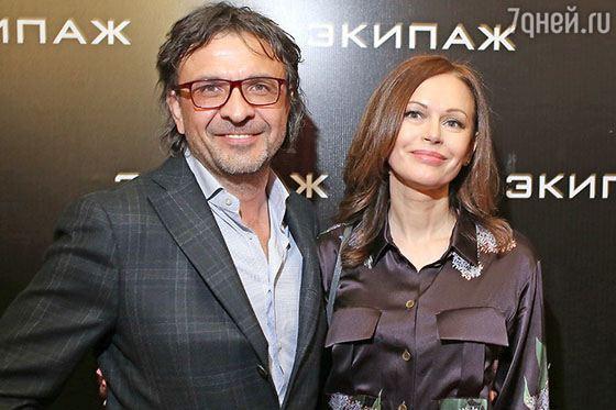 Ирина Безрукова и Сергей Брауде на премьере фильма «Экипаж»