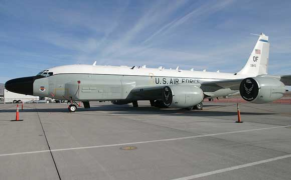 Российский истребитель перехватил американский самолет-разведчик RC-135