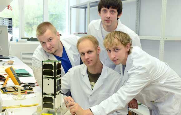 Наноспутник SamSat-218 и его создатели