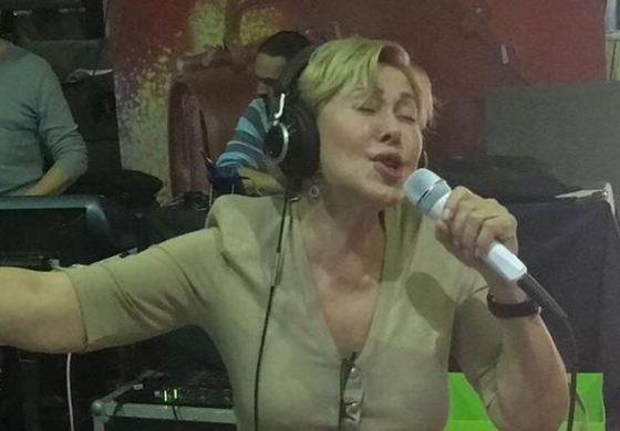 Любовь Успенская в студии звукозаписи