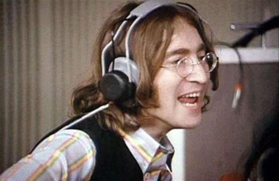 Песни Джона Леннона часто звучат по радио