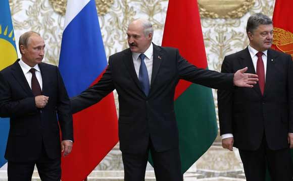 Песков: диалог с Порошенко на должном уровне не налажен