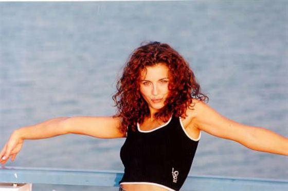 Ани Лорак на съемках клипа «Полуднева спека», 2001 год