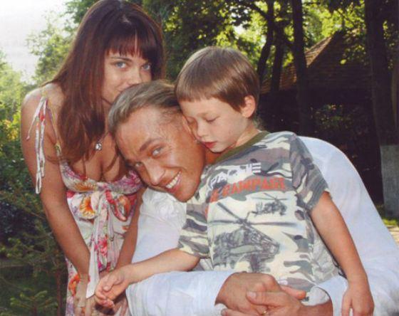 Наташа Королева с мужем и сыном