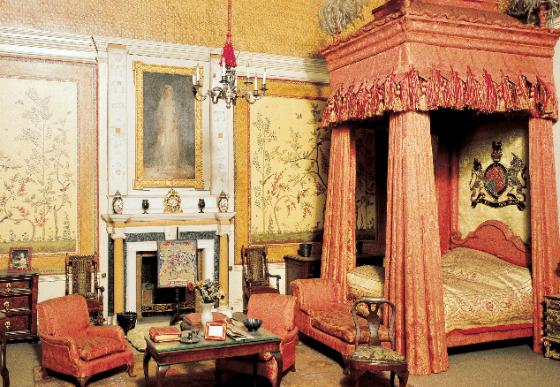 Реалистичный интерьер кукольного домика королевы Марии