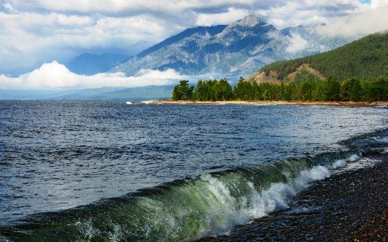 На фото: озеро Байкал