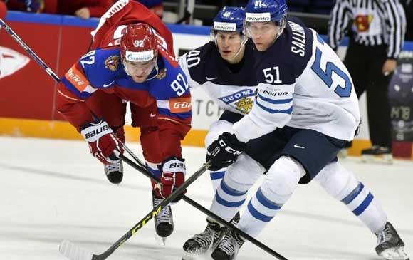 Российская сборная по хоккею уступила финнам в полуфинале ЧМ