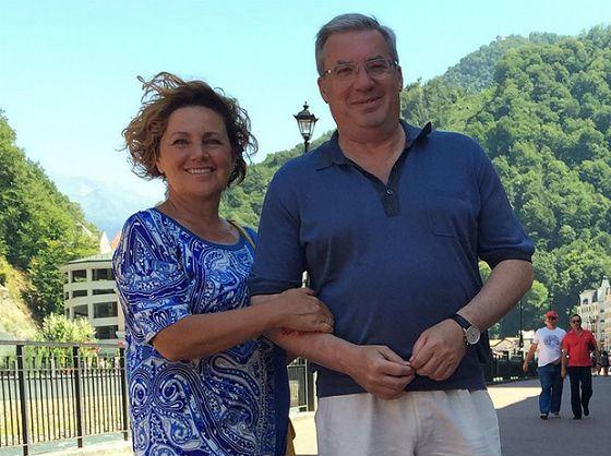 Губернатор Виктор Толоконский с женой Натальей на отдыхе