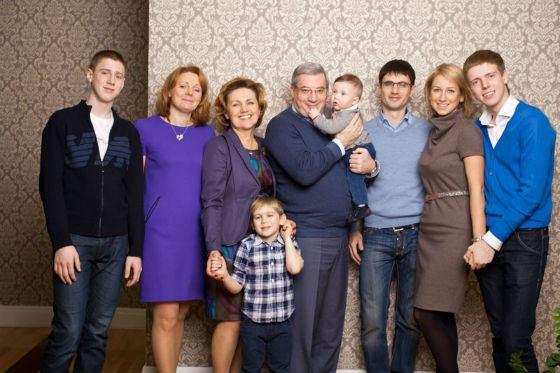Большая и дружная семья Виктора Толоконского