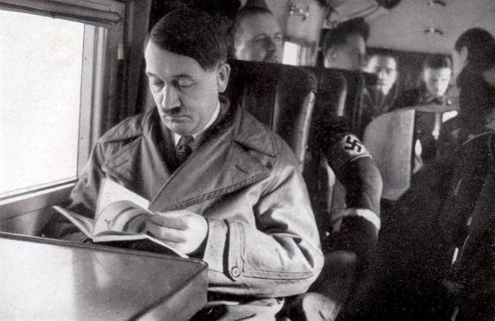«Как христианин, я не должен позволять себя обманывать» Гитлер