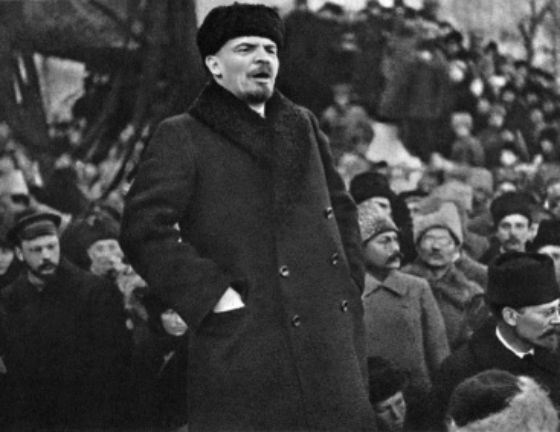 «Богатые и жулики, это — две стороны одной медали.» Ленин