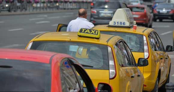 Московский таксист сдал в полицию пассажиров за разговоры о теракте