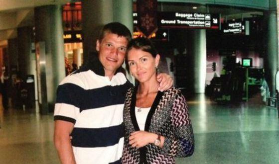 Игорь Денисов с женой. Фото