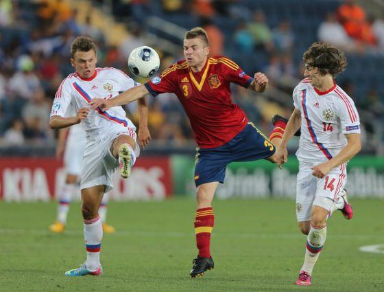 Денис Черышев на матче против сборной Испании