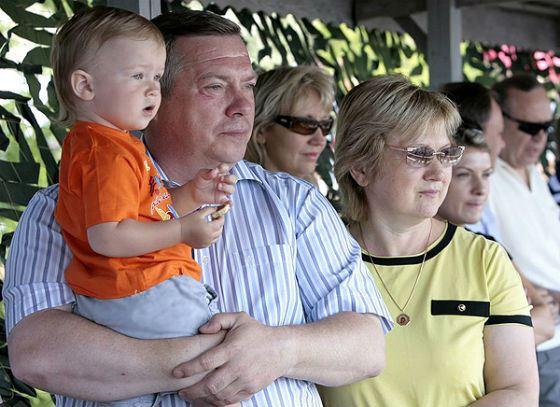 Spouses Golubev with a grandson
