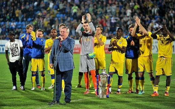 2016: Governor Golubev congratulates FC Rostov on the victory
