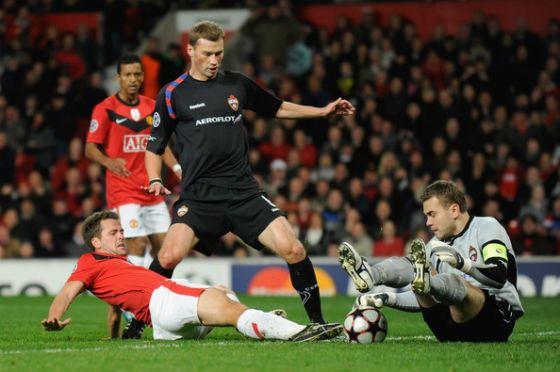 Photos from the match Manchester United - CSKA (November 3, 2009)