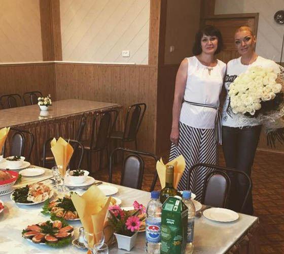 Глава района не захотел ужинать с Анастасией Волочковой