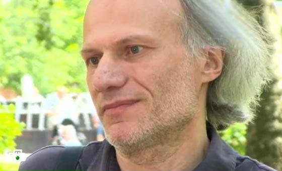 Брат Криса Кельми