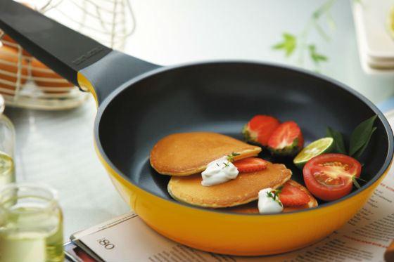 использование посуды с тефлоновым покрытием повышает риск онкологии