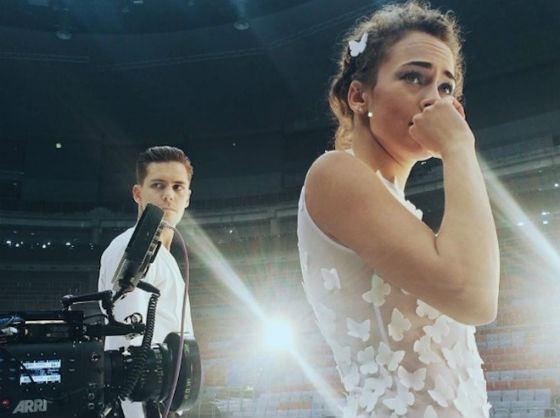 Аглая Тарасова и Милош Бикович на съемках фильма «Лед»