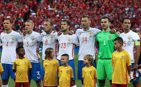 Россияне требуют расформировать сборную по футболу