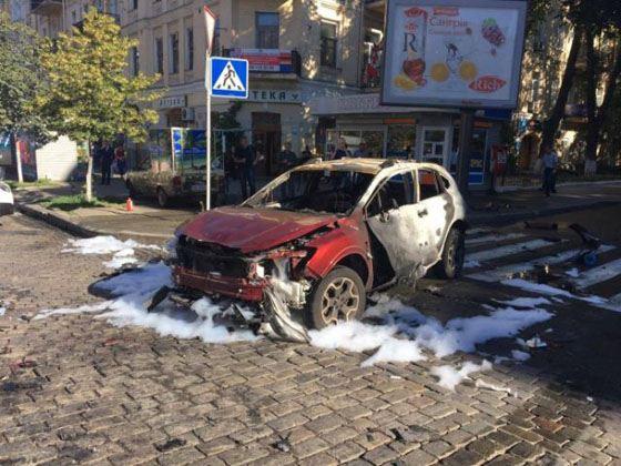 Машина Павла Шеремета взорвалась на пересечении улицы Богдана Хмельницкого и Ивана Франко