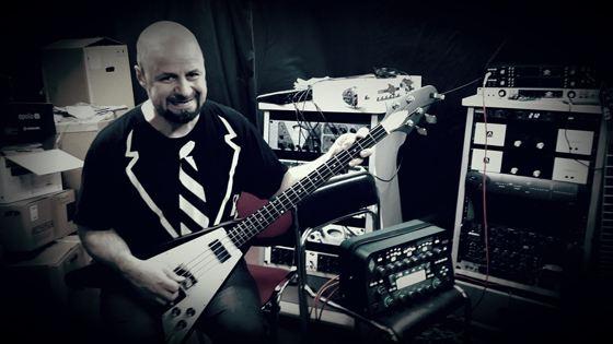 Леонид Иващенко был известным в Калининграде джазовым гитаристом