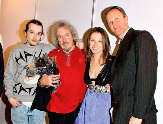 Андрей Макаревич с сыном, дочкой и зятем