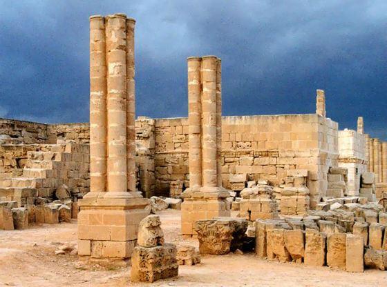 Руины дворца Хишама в Иерихоне