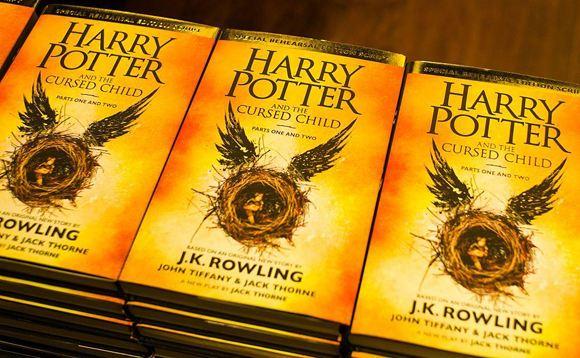 Пьеса «Гарри Поттер и проклятое дитя» пока доступна только на английском