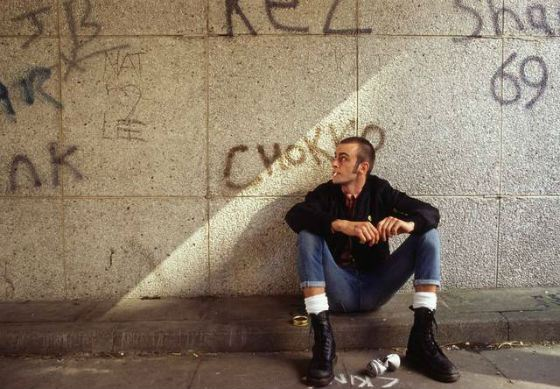 this is england film essay This is england was awarded an 18 certificate in 2007 for very strong racist violence the film also contains some aggressive uses of very strong language.